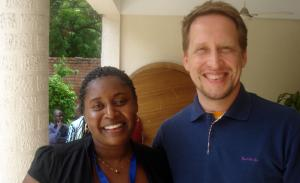 Politicals Communicators at work at the E-lection Bridge Africa Summit in Accra/Ghana: Oliver Röseler (Germany) and Michelle Fondo from Kenia.