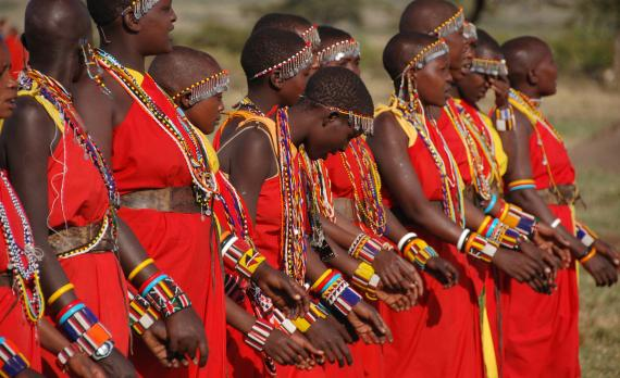 Frauen vom Stamm der Massai in Kenia. | © Dylan Walters / Flickr / CC BY 2.0