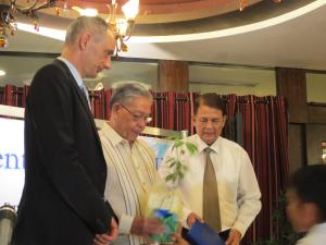 Keynote Speaker Former Chief Justice Hilario Davide Jr. (centre) with Head of the Rule of Law Programme Marc Spitzkatz (left) and Dean Baldomero C.Estenzo (right) of the University of Cebu College of Law inaugurate the Environment Law Talks - III on 27th May, 2014.