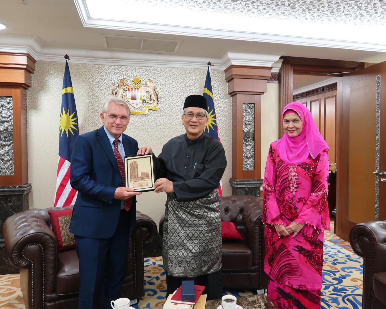 Wolfgang Hruschka, KAS Malaysia Country Director, Dato' Mohamad Ariff Bin Md. Yusof, Speaker of the House of Representatives, Parlament of Malaysia (middle) and Datuk Roosme Hamzah, Secretary of the House of Representatives..