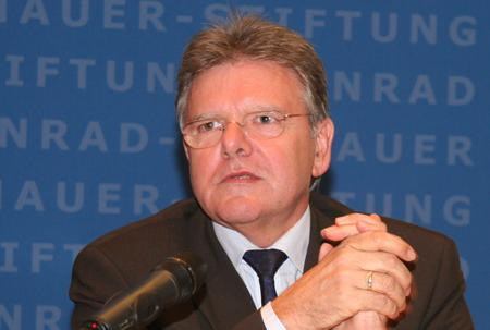 Prof. Oskar Niedermayer