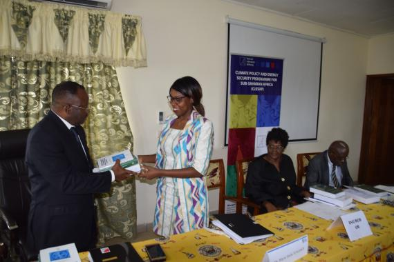 Donation of books by KAS representative to the Buea Unversity Vice-Chancelor