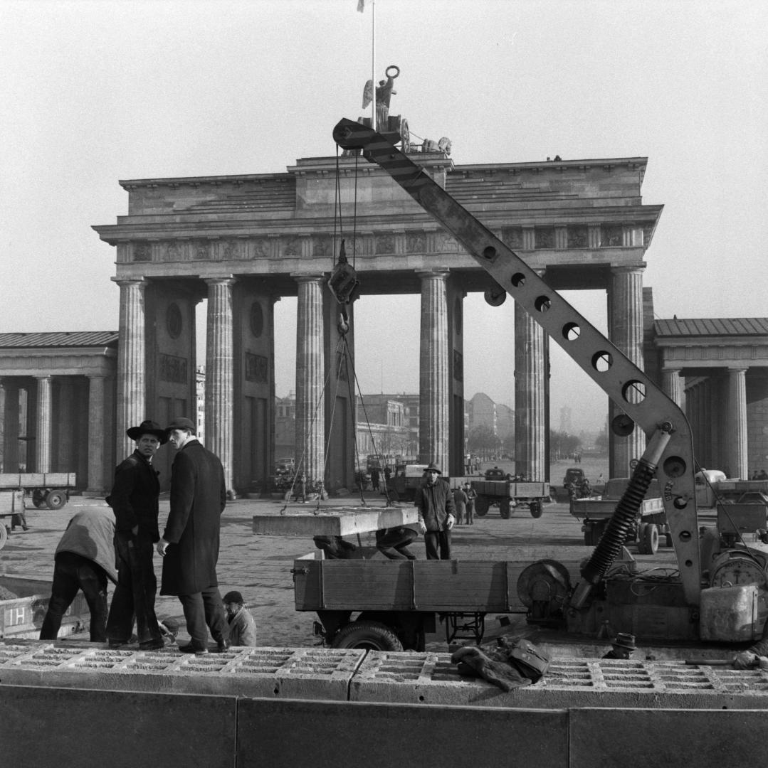 Konrad Adenauer Stiftung Geschichte Der Cdu Die Ddr Beginnt Mit Der Errichtung Der Berliner Mauer Und Mit Der Befestigung Der Innerdeutschen Grenze