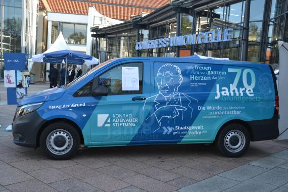 Info-Mobil Adenauer on Tour in Celle