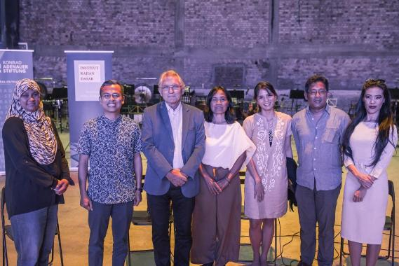 (Left to right) Tunku Azela - Institut Kajian Dasar Executive Director, Fahmi Fadzil - Member of Parliament for Lembah Pantai,  Wolfgang Hruschka - Konrad-Adenauer-Stiftung Country Director, Dorothea Herliany - Indonesia, Loujaye Sonido -  Philippines, Eddin Khoo - Founder of PUSAKA and Pauline Fan - Creative Director of PUSAKA