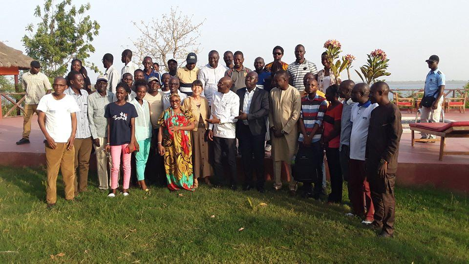 Photo de famille APS et Min culture et communic Sedhiou mars 2020.jpg
