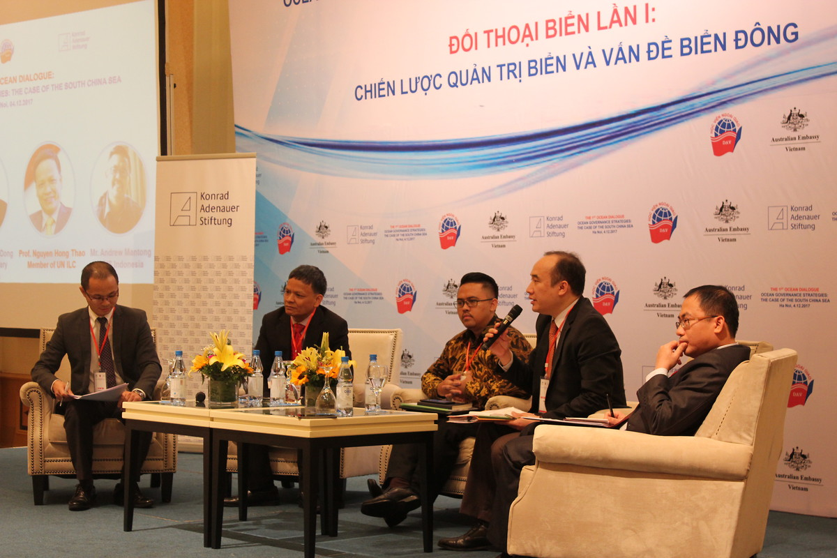 the panelists of the 1st Ocean Dialogue