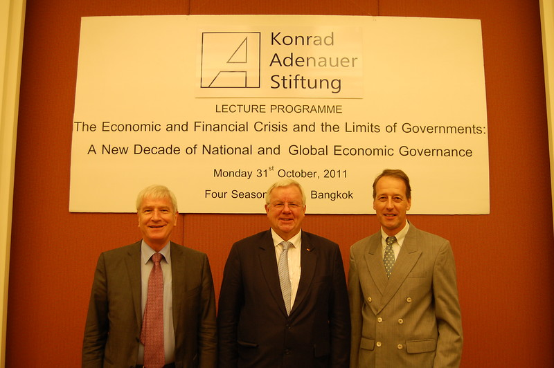 Dr Michael Fuchs, MdB as a key speaker of the lecture programme concerned with the financial and economic crisis