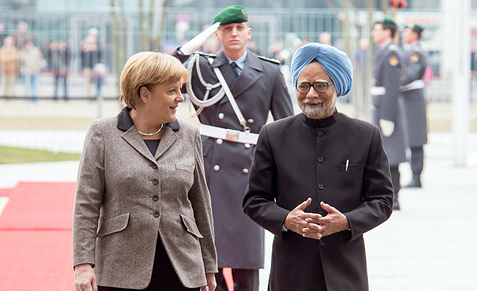 Chancellor of Germany, Angela Merkel and former Indian Prime Minister Manmohan Singh.(picture: Bundespressearchiv)