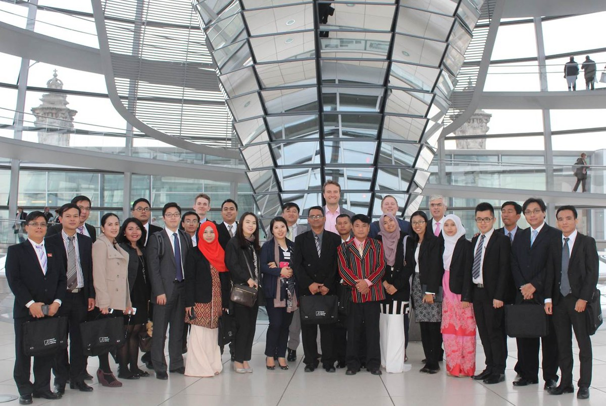 KASYP 2014-2015 at the Reichstag with MdB Mark Hauptmann