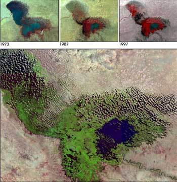 Chad-Lake, Satellite picture 2001, the small blue spot is the lake today, the green area is the vegetation on the ground of the former lake. At the top: the contraction process, Source: WIKIPEDIA