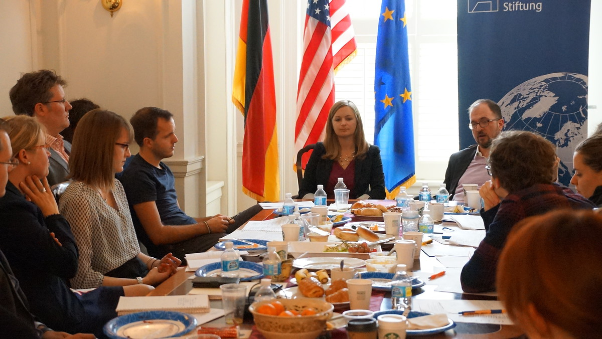JONA Journalists at KAS in Washington talk with Emily Schultheis und Soren Dayton