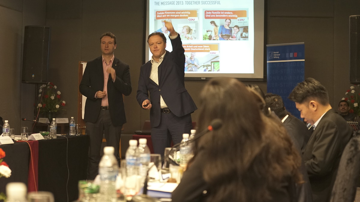 "Mark Hauptmann, MP and Prof. Dr. Mario Voigt, MP teach political messaging. ""Emotionalising without polarising is key."""