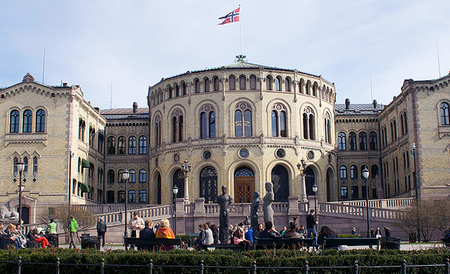 Das norwegische Parlament in Oslo | Foto: mathrong/Flickr