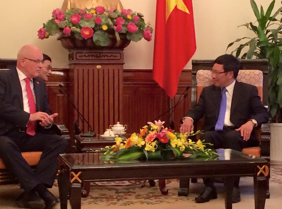 Mr.Kauder talks with Vietnam Foreign Affairs Minister Pham Binh Minh