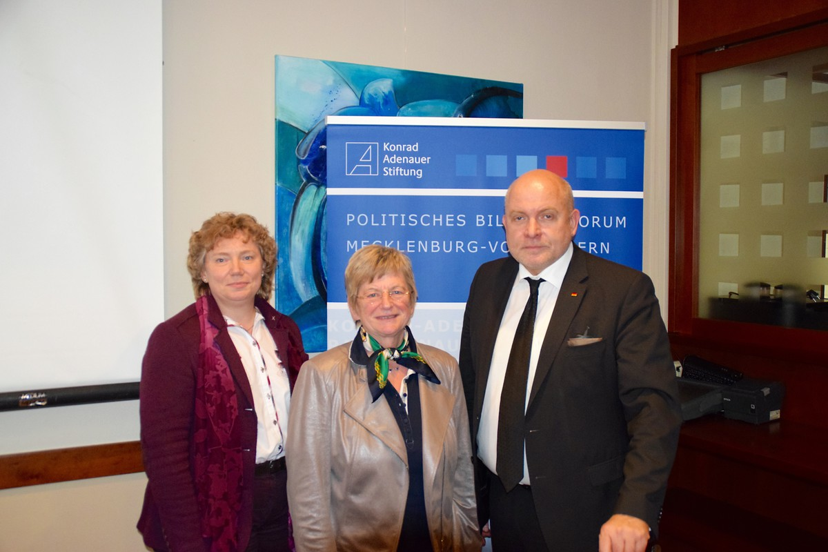 Henrike Regenstein, Renate Holznagel, Dietrich Monstadt MdB
